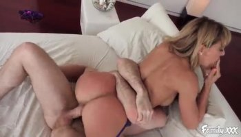 Ebony stunner blow-banged by rednecks